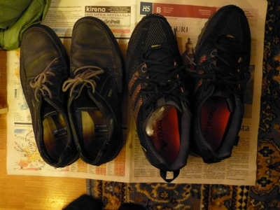Shoes to pack for a man
